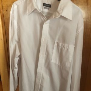 Men's Van Huesen dress shirt fitted